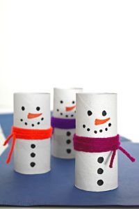 3 cardboard snowman with yarn scarf