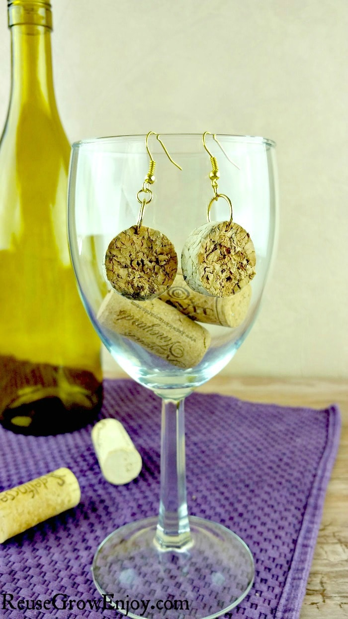 If you have corks kicking around, I have a really cute and easy project for you to try. You can make these DIY cork earrings in just a few minutes!