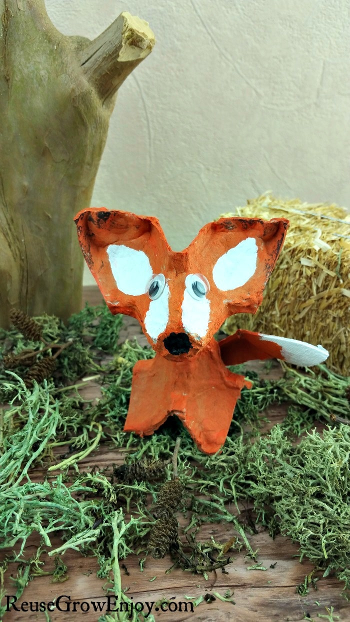 Have an egg carton kicking around and looking for a craft project to do with the kids? This DIY Egg Carton Fox Craft is pretty easy and super cute!