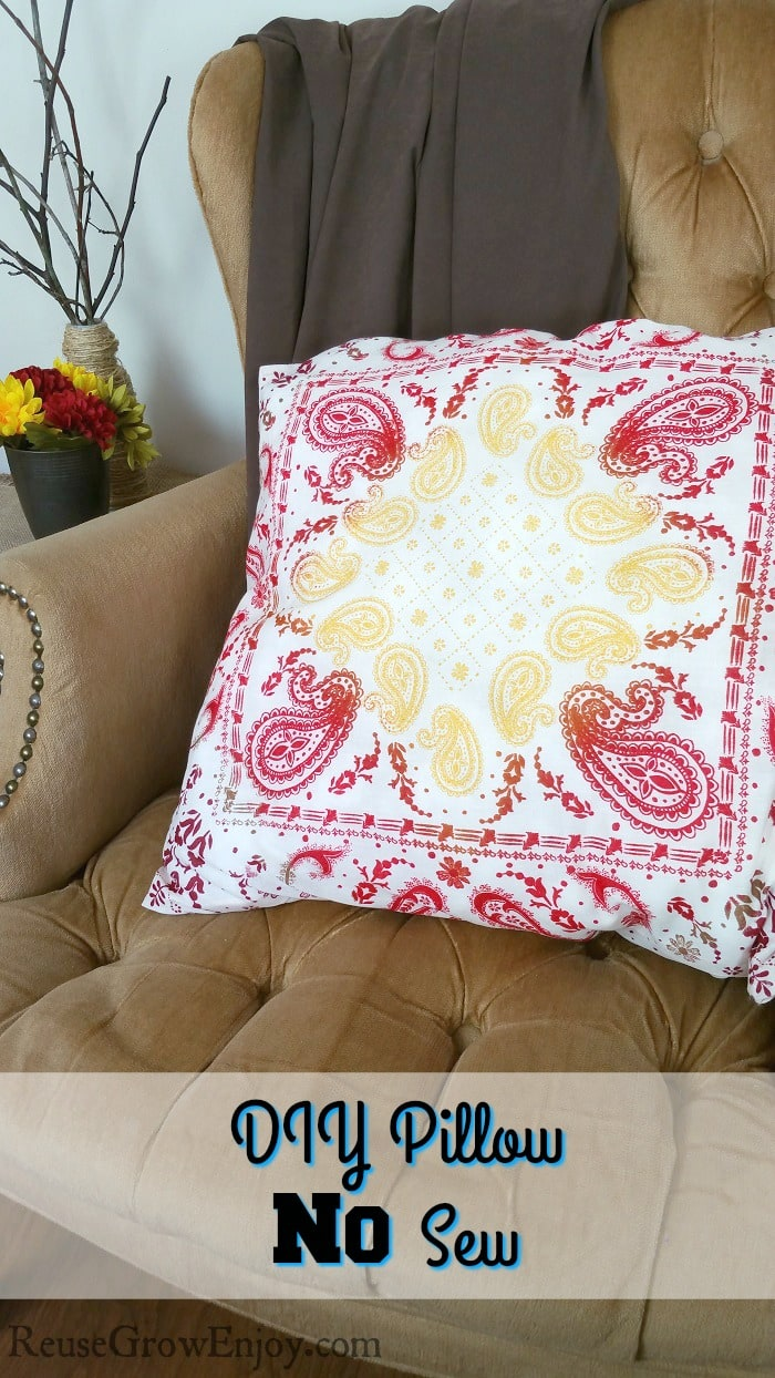 diy-pillow-no-sew
