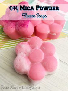 Have you been wanting to try mica powder soap making? I will show you how to make these flower soaps using mica powder!
