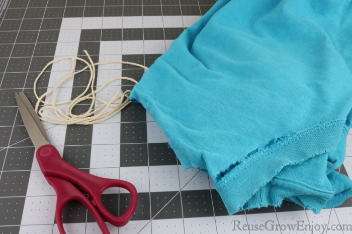 Supplies needed to make rope toy