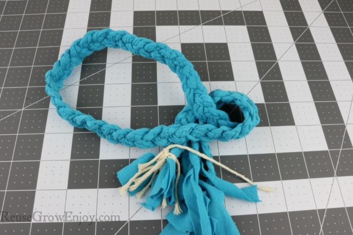 Tie ends together